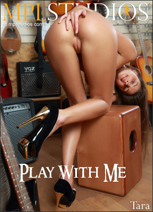 tara_play-w-me